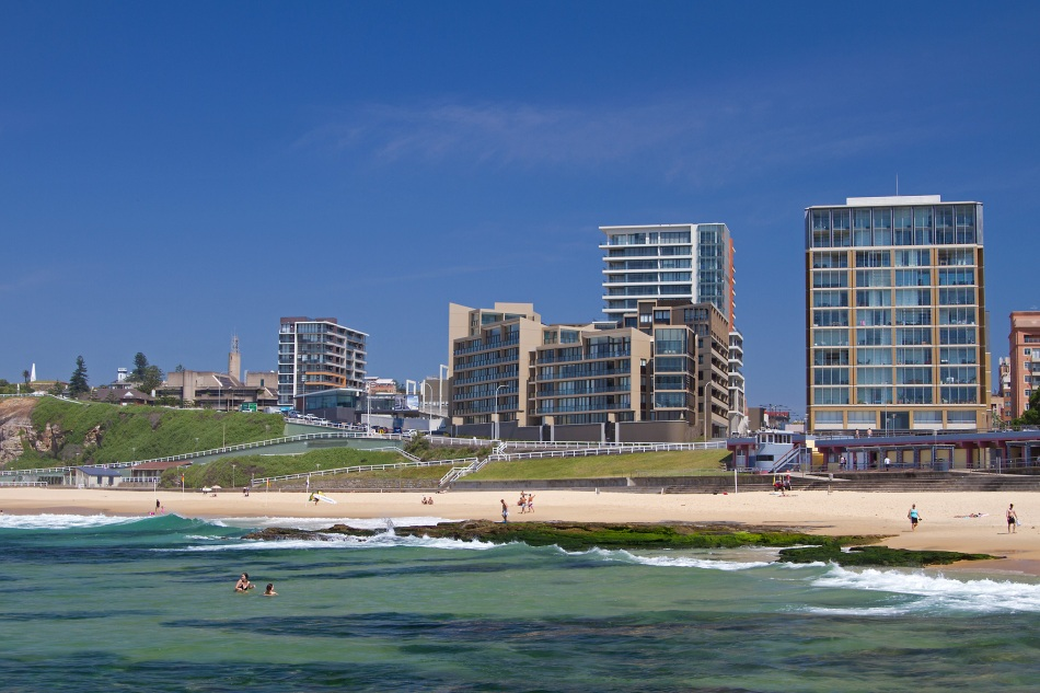 Newcastle beach eye3photodesign for Beach house designs newcastle